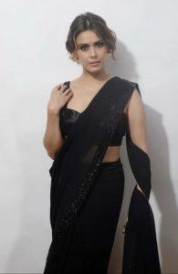 "Hrishitaa Bhatt's journalist avatar in her new web series ""Lal Bazaar"""